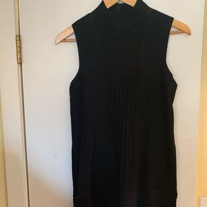 Parker - sleeveless crewneck knit tunic
